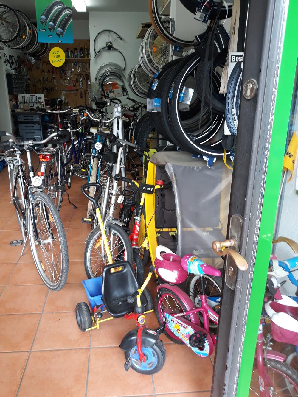 mannis fahrrad laden bad malente fahrr der e bikes. Black Bedroom Furniture Sets. Home Design Ideas